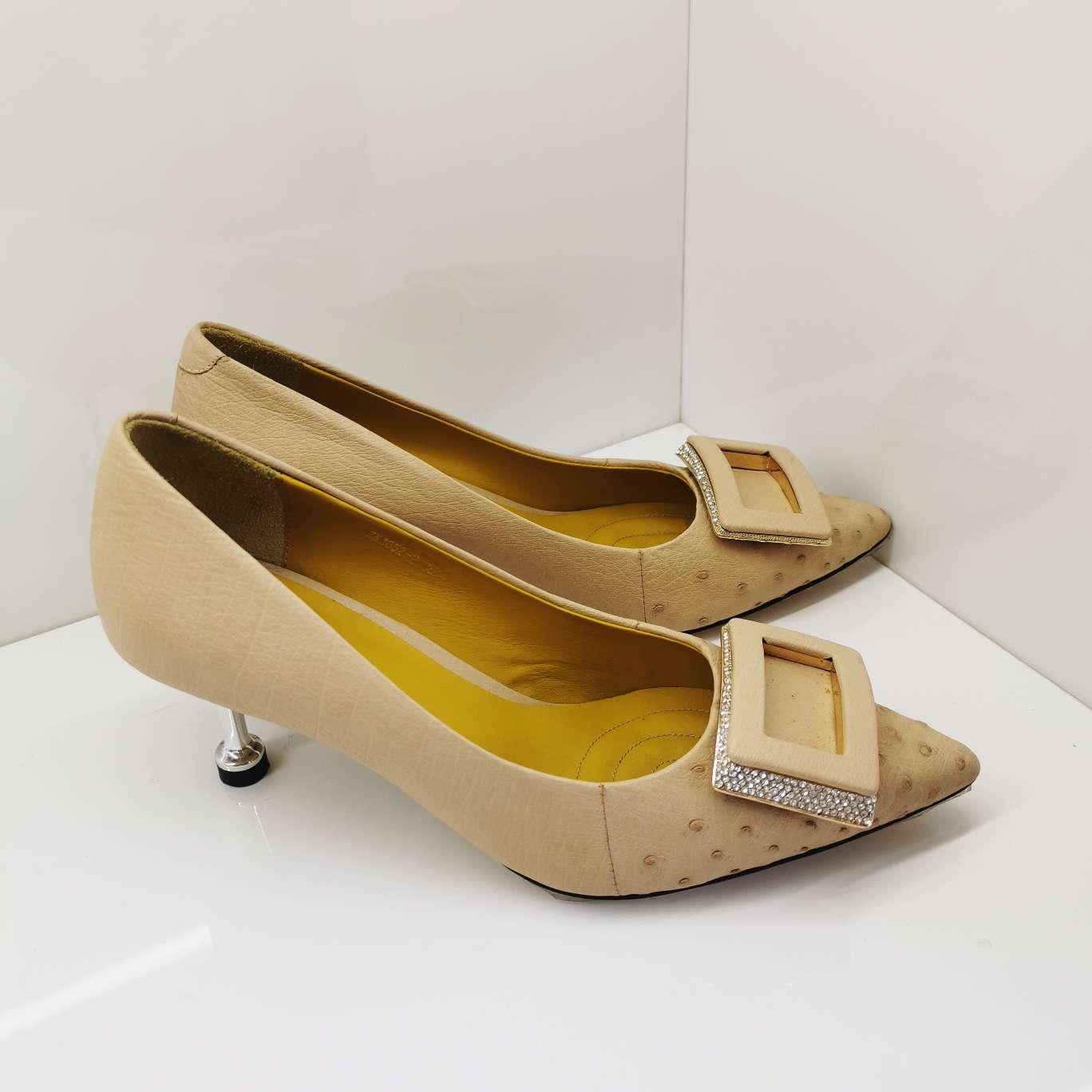 鸵鸟皮女士皮鞋