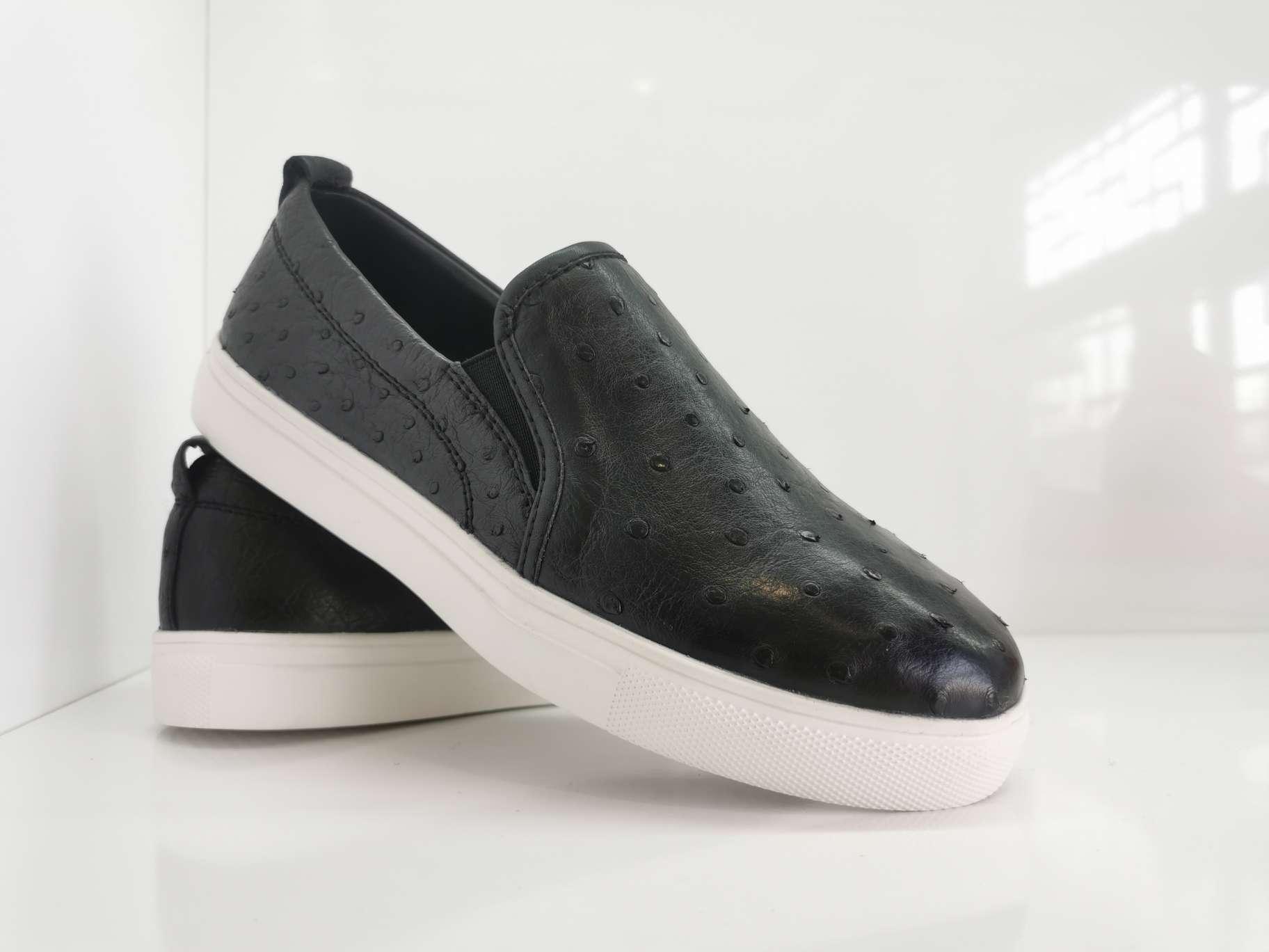 鸵鸟皮板鞋